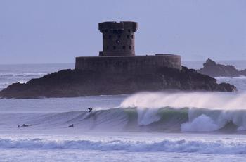 surfing_la_rocco_tower.jpg